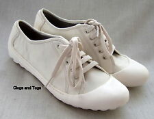 NEW CLARKS FLIPPY BEAUTY WOMENS WHITE LEATHER SHOES