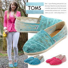 BALTIC DIP DYED CROCHET CLASSICS TOMS SHOES. STYLE # 10001334-BALTIC