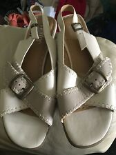 HOTTER ENTHUSE Cream Beige Leather Sandals Size 5.5 WORN ONCE On Carpet