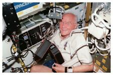 NASA Space Shuttle Discovery Astronaut John Glenn Mission STS-95 Photo