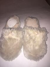 Womens Cozy Faux Fur Slippers Cream Size Small, Medium NEW