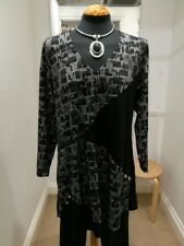 KASBAH-BLACK/ABSTRACT TUNIC (H51A) 12/14; 16/18; 20/22; 24/26 - BNWT