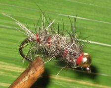GILCHRIST FLIEGEN. 3 TUNGSTENNYMPHEN. Cased Caddis