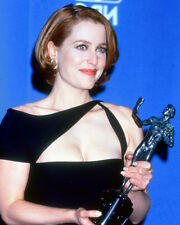 GILLIAN ANDERSON HOLDING AWARD COLOR PHOTO OR POSTER