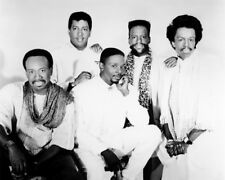 EARTH WIND AND FIRE GROUP STUDIO POSE PHOTO OR POSTER