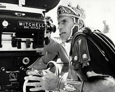 CHARLTON HESTON BEHIND MOVIE CAMERA ON SET OF EPIC RARE PICTURE PHOTO OR POSTER