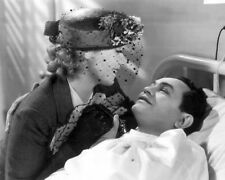 BULLETS OR BALLOTS EDWARD G. ROBINSON JOAN BLONDELL VISITING BEDSIDE PHOTO OR PO