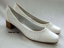 NEW K by CLARKS DAISY CREAM LEATHER SHOES WIDE FIT