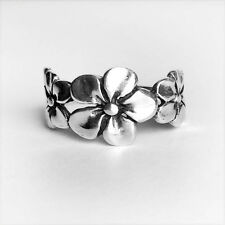 Size 6~9- Rounded THREE SMALL FLOWERS Sterling Silver Ring-Oxidized