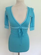 HOLLISTER LADIES V-NECK 3/4 LENGTH SLEEVE TOP TURQUOISE SIZES XS-L RRP £40 BNWOT