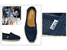 TOMS FREETOWN NAVY WOMEN'S CLASSICS SHOES. Style #001100B12-NFREE
