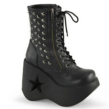 Demonia DYNAMITE-100 Black Star Cutout Wedge Platform Ankle Boot pers Studs