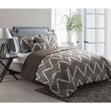 NEW Full Queen King Bed White Brown Chevron Reversible 5 pc Quilt Set Coverlet
