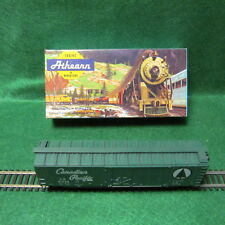 Vintage HO Scale Athearn 40' Box Car - Canadian Pacific