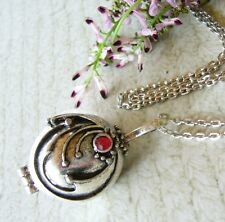 The Vampire Diaries Katherine Elena Locket Pendant Necklace & Vervain Filled Bag