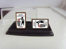 NEWCASTLE UNITED SUPPORTERS KEEP YOUR AREA TIDY BADGE MENS CUFFLINKS GIFT