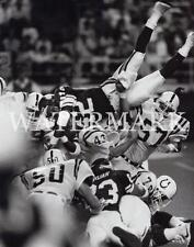 AK452 DJ Dozier Vikings Goes Over The Top Football 8x10 11x14 16x20 Photo