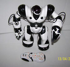 "WowWee Large White Robosapien Humanoid Robot w/ Remote Control 14"" 2004 China"