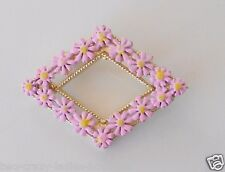 Vintage pink Daisy brooch 1960s gold tone metal and enamel flower pin