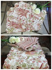 """""""Flowers in Paradise"""" Quilted Cotton Table runner and Placemats (Set of 4)"""