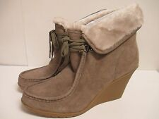 White Mountain Ingle Lace Up Ankle Boot Light Taupe Suede  New with Box