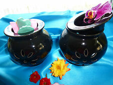 Ceramic Huge melt/oil burner, in black or white, comes with free melts.