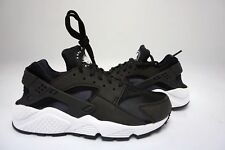 (634835-006) WOMEN'S NIKE AIR HUARACHE RUN BLACK/WHITE