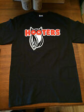 HOOTERS BLACK OWL T-SHIRT  HOOTERS MAKES YOU HAPPY - NEW! SIZE MEDIUM H4