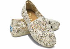 TOMS CLASSIC SLIP-ON WOMEN Shoes (NATURAL CROCHET) BRAND NEW in BOX!!