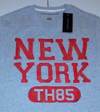 $30 TOMMY HILFIGER MEN'S TEE T-SHIRT V-NECK GRAY RED CRACKLE NEW YORK NWT