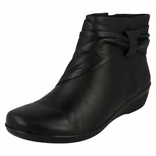 Ladies Clarks Black Leather Boots Everlay Mandy (D Fit)