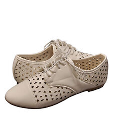 Women's Shoes Bamboo Lynda 50A Perforated Casual Cap Toe Oxfords White *New*