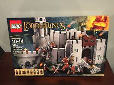 LEGO The Lord of the Rings The Battle of Helm's Deep (9474) NEW NR BOX DAMAGED