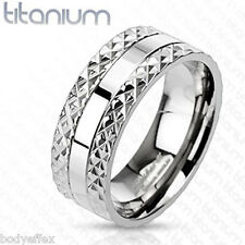 AWESOME MENS SOLID TITANIUM W/ SILVER PYRAMID SPIKED EDGE WEDDING BAND RING 8MM