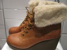 Hardly Worn NEW LOOK Brown FUR TRIM Faux LEATHER Lace Up WEDGE Ankle BOOTS 9 43