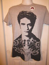 Hot Topic: The Twilight Eclipse Gray Slim Fit Edward T-Shirt