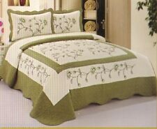 King or Queen Quilted Bedspread High Quality Soft White & Sage Floral