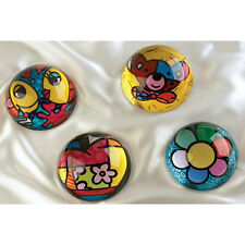 ROMERO BRITTO *ROUND PAPERWEIGHT - CHOICE OF 4 DESIGNS* 331002 RRP: £11.99!