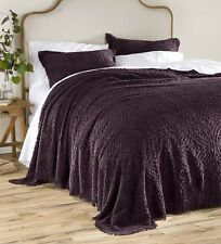 Plow & Hearth® Wedding Ring Tufted Chenille Full Bedspread