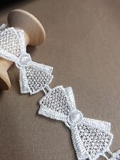 Guipure lace ❥Bows❥ ribbon applique motif, ivory, off white 25mm wide - per Yard