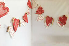 Gisela Graham Red/White Wooden Heart Peg Garland Bunting Card Hanger Decoration