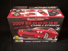 Revell 2009 Dodge Challenger 1/25 Kit