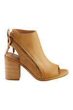 NEW Therapy Womens Heels River Heel Taupe