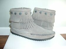 NIB $63 Women's Minnetonka Double Fringe Side Zip Grey Suede Boots Moccasin 691T