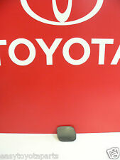 OEM  NEW TOYOTA PRIUS FRONT BUMPER HOLE COVER (LH) DRIVER SIDE  52128-47900