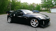 Nissan : 350Z Touring package with track pack wheels and brakes
