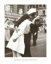 KISSING THE WAR GOODBYE - TIMES SQUARE  Art | Cubical ART | Gift | FREE Shipping