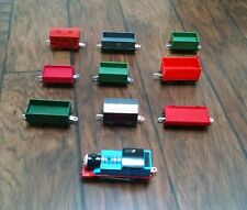 LOT 10 MOTORIZED TRAIN ENGINES / CARS THOMAS & FRIENDS TRACKMASTER