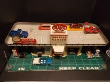 Vintage Tin Toy MARX Service Center Gas Station w/Accessories, Figurines & Light