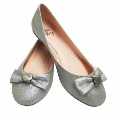 NEW WOMENS HELLO KITTY SILVER HALLE GLITTER FLATS LOOK VERY CUTE!! MSRP $89